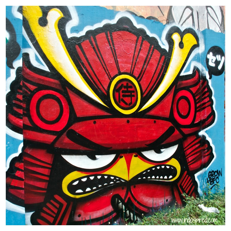Red Angry bird street art Pic